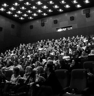 Film bliver stadig set i biografen
